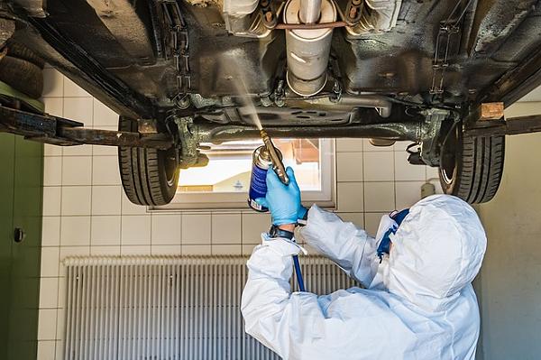 浅谈!环氧体系防闪锈剂HY62在汽车底盘漆上的应用