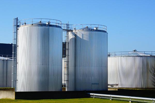 锈转化剂在储罐上的应用-青岛恩泽化工